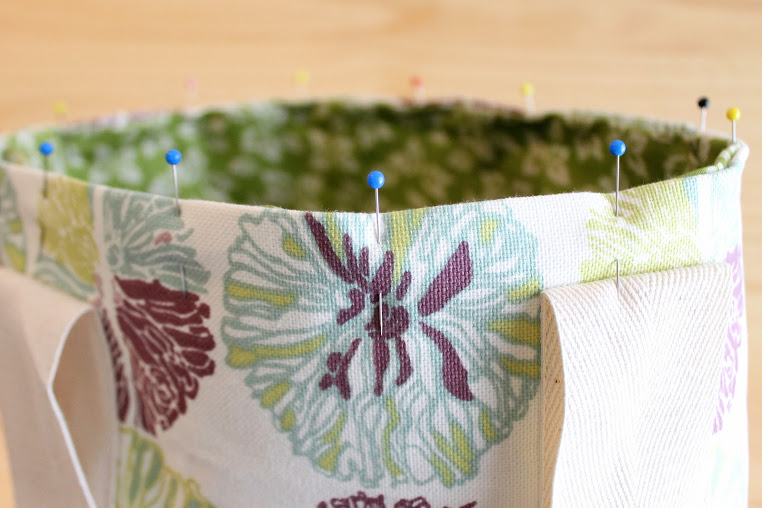 The Twill Tape Tote tutorial. Just perfect for Mom's Night Out (wink, wink).