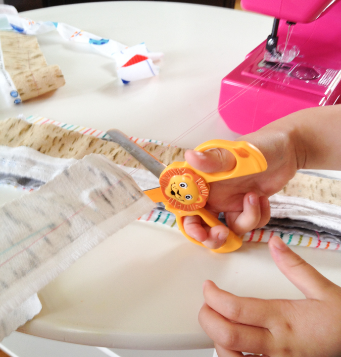 Janome Sew Mini Sewing Machine for Kids-8